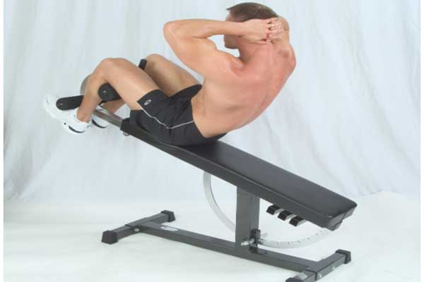 Incline Crunches How To Use Weight Bench Amp Ball