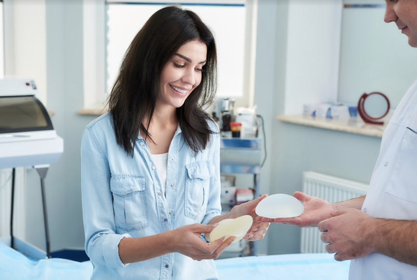 breast-augmentation-consultation
